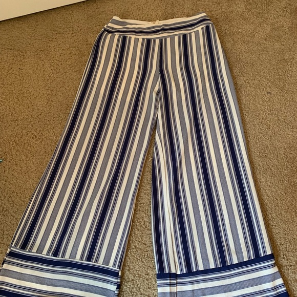 Fashion Nova Pants - Never worn Fashion Nova Blue & White Palazzo Pants